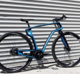 La startup Arevo imprime en 3D un vélo à partir de fibres de carbone